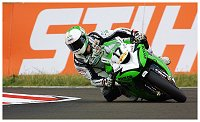 Motorcycle racer Simon Andrews dies after North West 200 crash-800px-simon_andrews_-_bsb_snetterton_2009.jpg